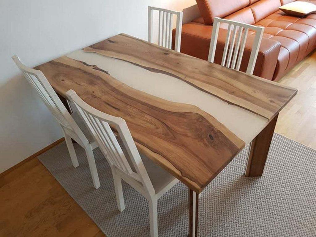 Преимущества столов из эпоксидной смолы